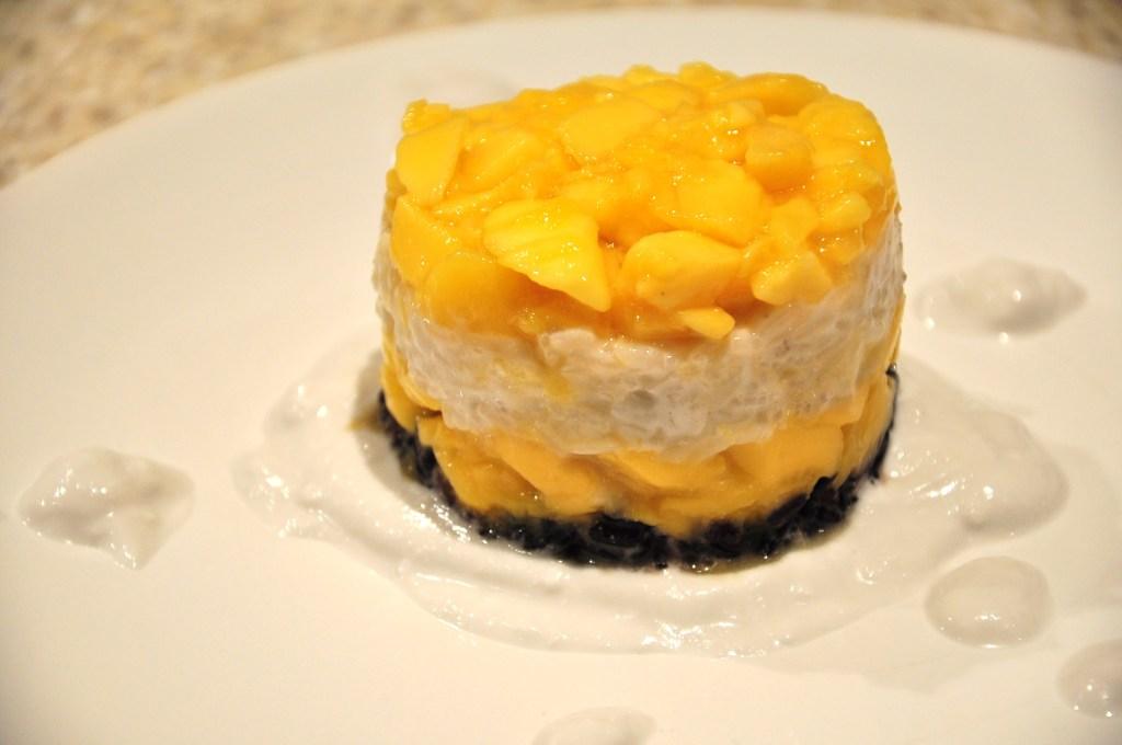 mango and glutinous rice dessert