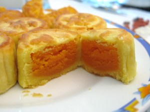 Mini custard cream with salted egg yolk mooncake